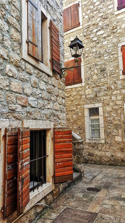 Architecture Building Exterior Built Structure Window No People Outdoors Day Residential Building Low Angle View Montenegro Montenegro🌊💙👈 Montenegro_love Montenegro, Budva