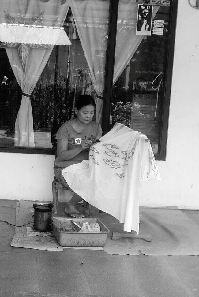 Painting Batik Indonesian Heritage Batik Yogyakarta, Central Java - Indonesia Amazing Indonesia