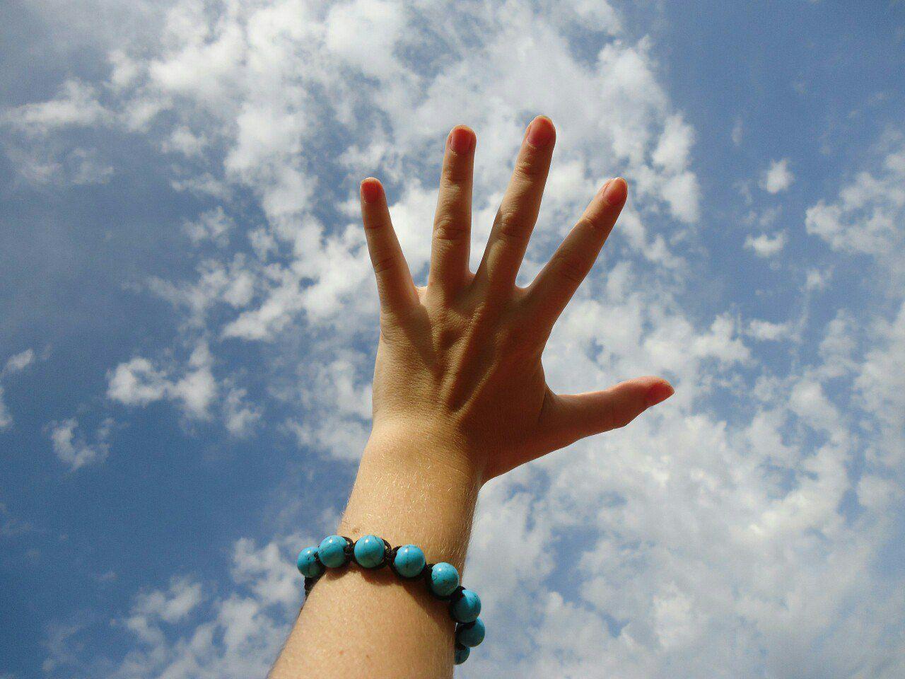 Мирное небо над головоц Донецк до воцны небо⛅️ облака рука Мир прекрасен мир
