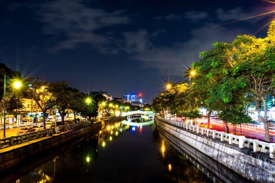 Phadungkasem canel by Nikon D7200 ISO400 22mm f/22 20sec #Birdiegrapher #IAMNIKON Night Water Reflection Sky Architecture Canal City Nature No People Tree Outdoors Bridge - Man Made Structure Bangkok Thailand.. Thailand Photos Thailand_allshots_nature ThailandOnly Thailand_allshots_BW Thailand Pattaya Thailandsky Thailand Trip Thailandia Thaïlande Thailand Only Thailandstyle Thailand Culture Thailand Travel Thailand_allshot Thailand Motor Expo 2016 Thailand Temple ThailandInstagram Thailandia 2015 VicNoc Thailand Food THAILAND 2014 ... From This Moment On Thailandluxe Thailand Animals Thailandfood Thailandtrip Thailand Beach Thailand Love