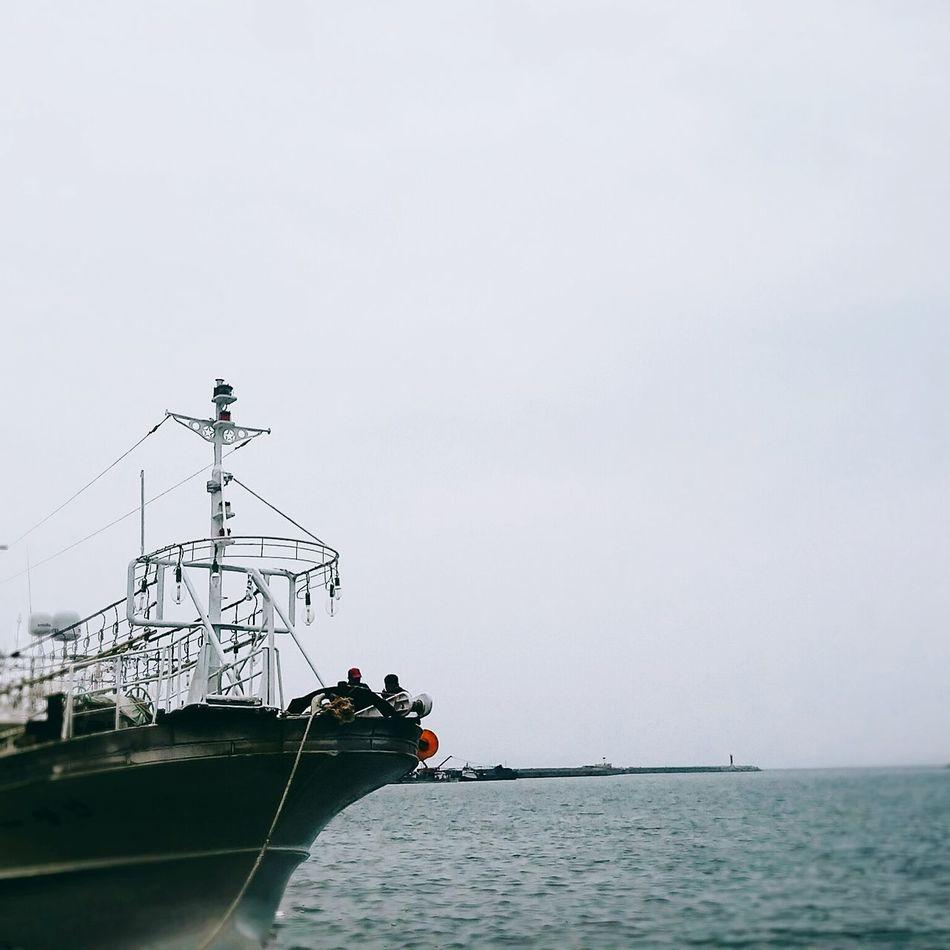 항구의 모습을 담다 항구 바다 어부들