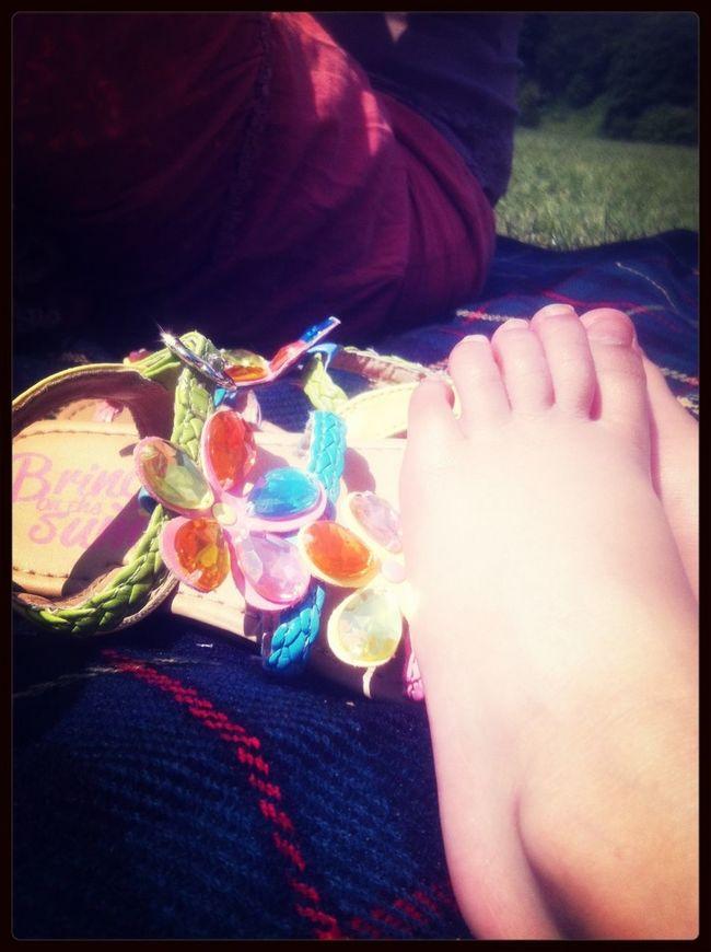 Enjoying The Sun Club 14:33 Hot Summer Days In A City