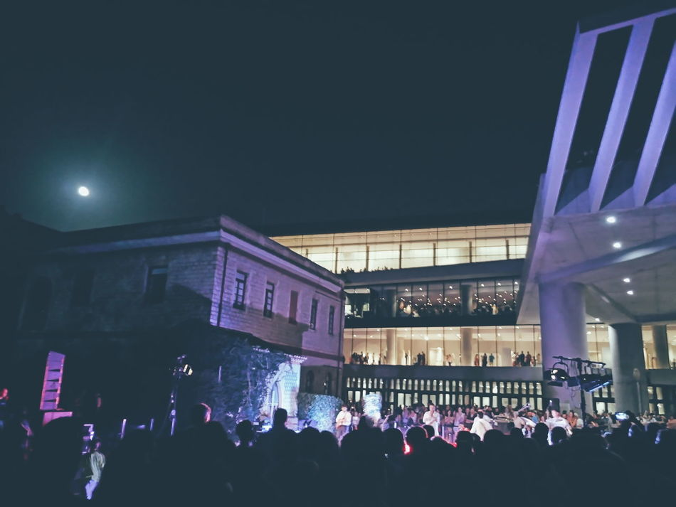 Acropolis Museum Concert Concert Photography Night Full Moon Full Moon Party Athens Greece Architecture Museum Large Group Of People Crowd Dark Moon Eye4photography  Getting Inspired From My Point Of View EyeEm Best Shots Silhouette Blue City Life Sony Mobile Mobile Photography XperiaM5 Sony Xperia