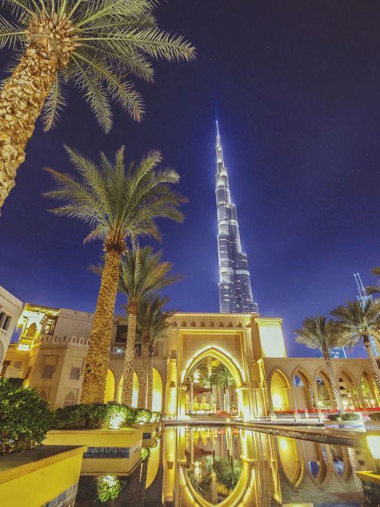 Burj Khalifa Dubai Nightscape Buiding Skyscraper Middle East Neighborhood Map The Architect - 2017 EyeEm Awards
