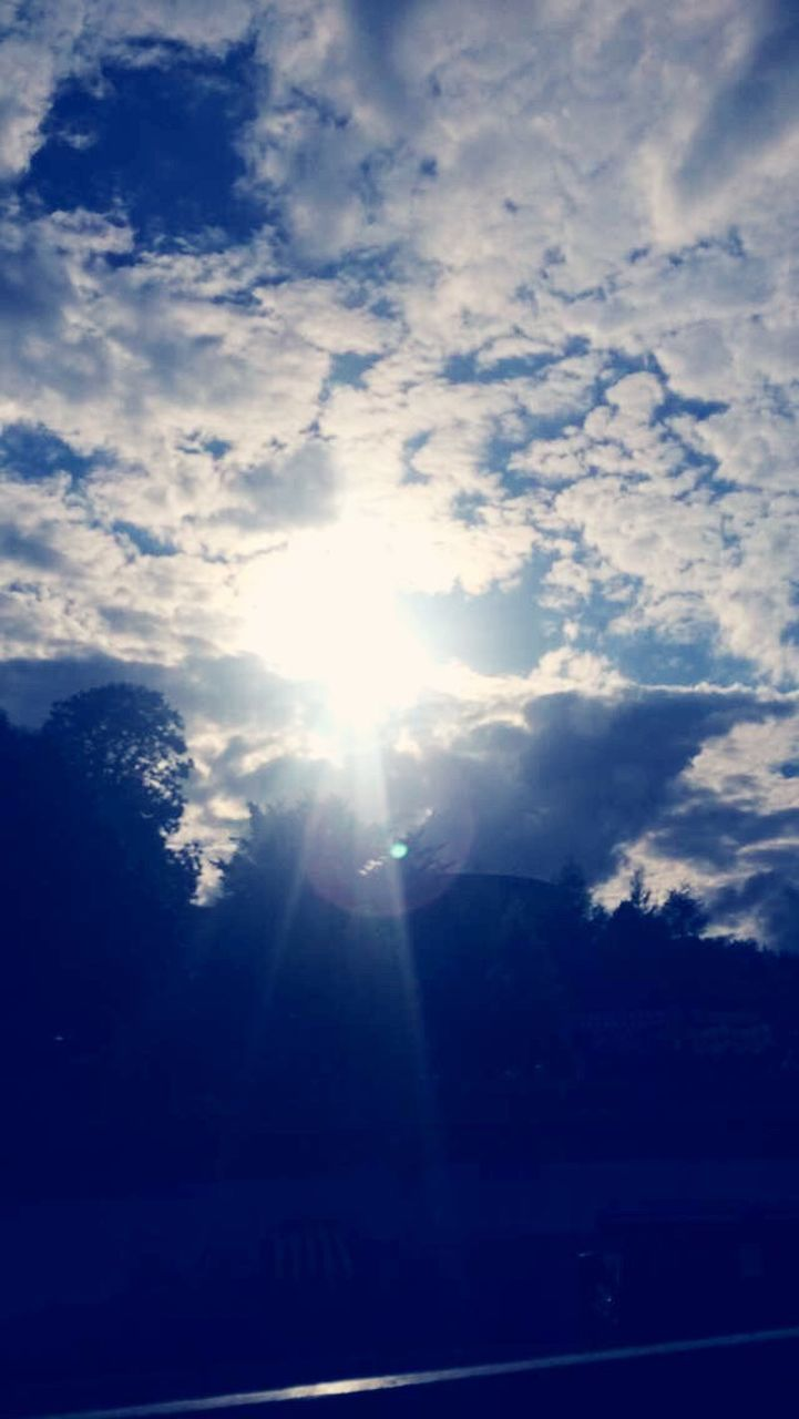 sun, sunbeam, lens flare, nature, sunlight, sky, no people, low angle view, beauty in nature, outdoors, scenics, day