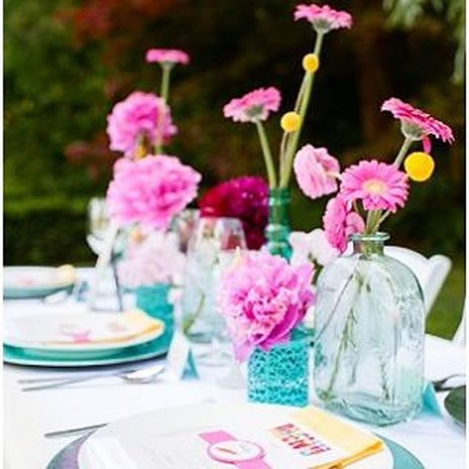 One more from the Drseuss Thelorax inspired Wedding Shoot that was posted on @fabyoubliss today because it's SO DARN CUTE and sure to brighten up this rainy Monday ☔ Check out the entire shoot on fabyoubliss.com Florals Colour Dining Gardenparty Pride Bridal Weddingday  Lgbt Events Decorating Ombre Ombre Napkins Linens @jelgerandtanja 📷 @umbrellaeventsvancouver @esufloral @mmwscrapbook Glenbrookpark Newwestminster