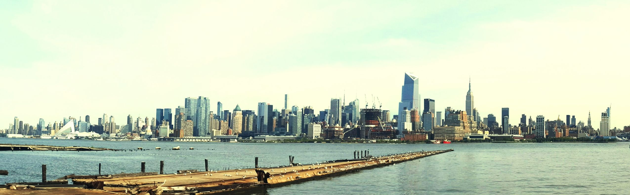 Manhattan Skyline City That Never Sleeps Manhattan Life Love New York Beautiful View Beautiful Day Start Of A New Season New Beginings Reflecting Back Travel Destinations Modern Harbor