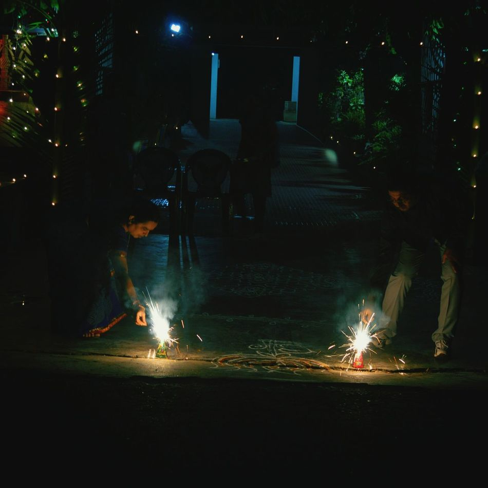 Festival Of Lights Parents ❤❤❤ Night Photography Lights In The Dark Momndad Home Festivalsofindia Diwali Family Time