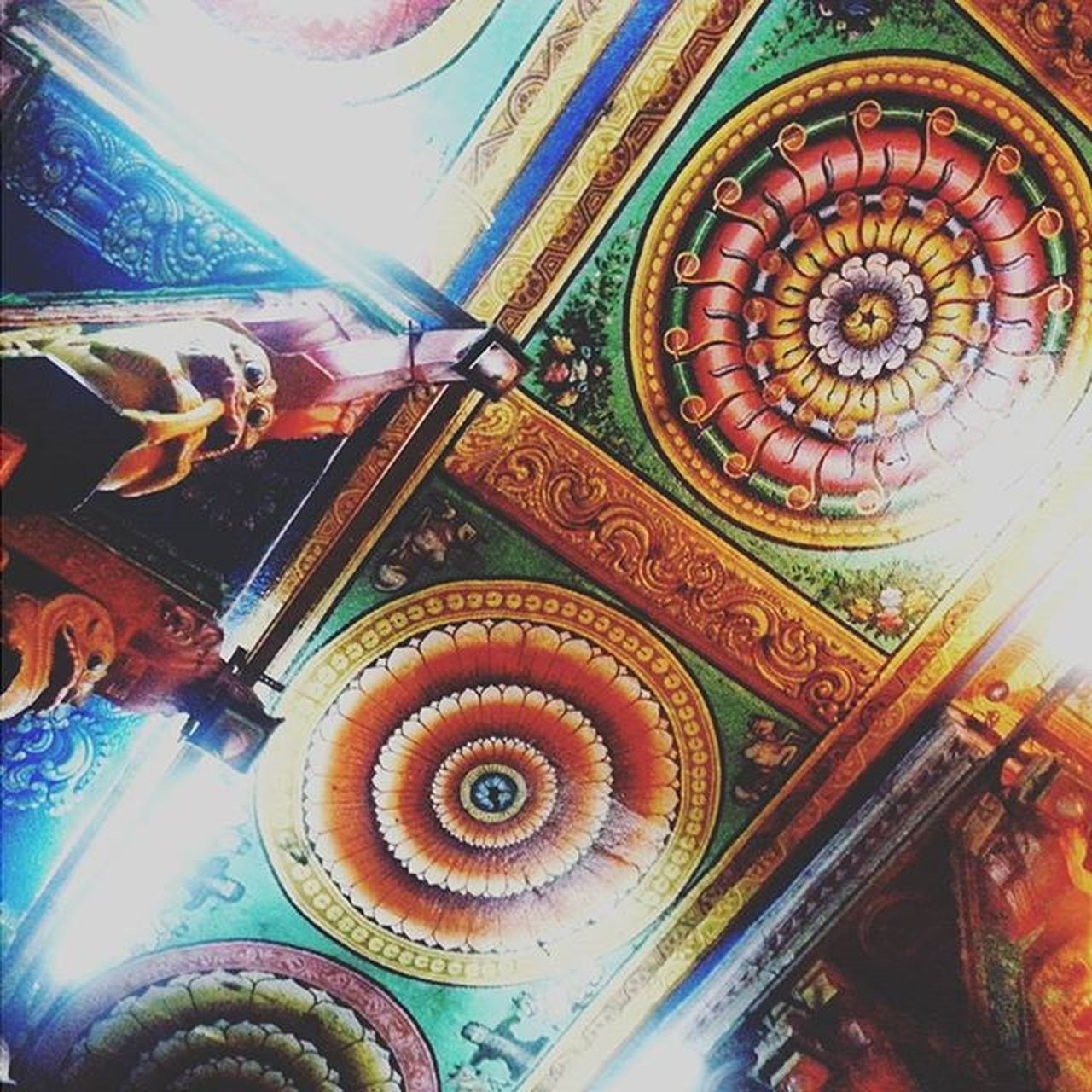 Ancient wall paintings! 😍 Paintings Colors Designs Beautiful MeenakshiTemple Meenakshiammantemple Madurai Indiantemple India Southindia _soi Instatravel Travel Travel Traveljournal Pixelpanda_india Incredibleindia Picturesofindia Indiapictures Beautifulindia Hippieinhills Indiatravelgram Desi_diaries India Indianarchitecture temple temples indiaclicks