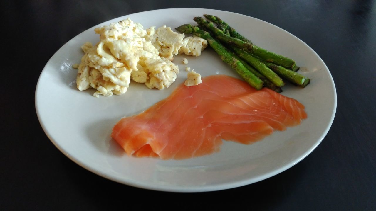 Scrambled Eggs Home Cooked The Purist (no Edit, No Filter) ZTE AXON 7 Ready-to-eat Healthy Eating Freshness Smoked Salmon  Asparagus Clean Eating Clean Plate No People Plate Home Cooking Scramble Eggs