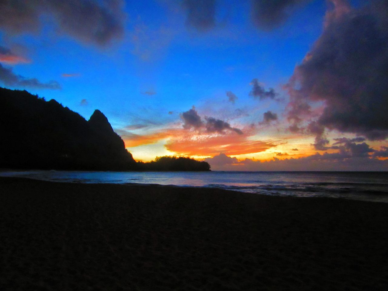 Beach Beauty In Nature Cloud - Sky Idyllic Kauai Kauai♡ Nature No People Ocean Outdoors Scenics Sea Sky Sunset Tranquil Scene Water