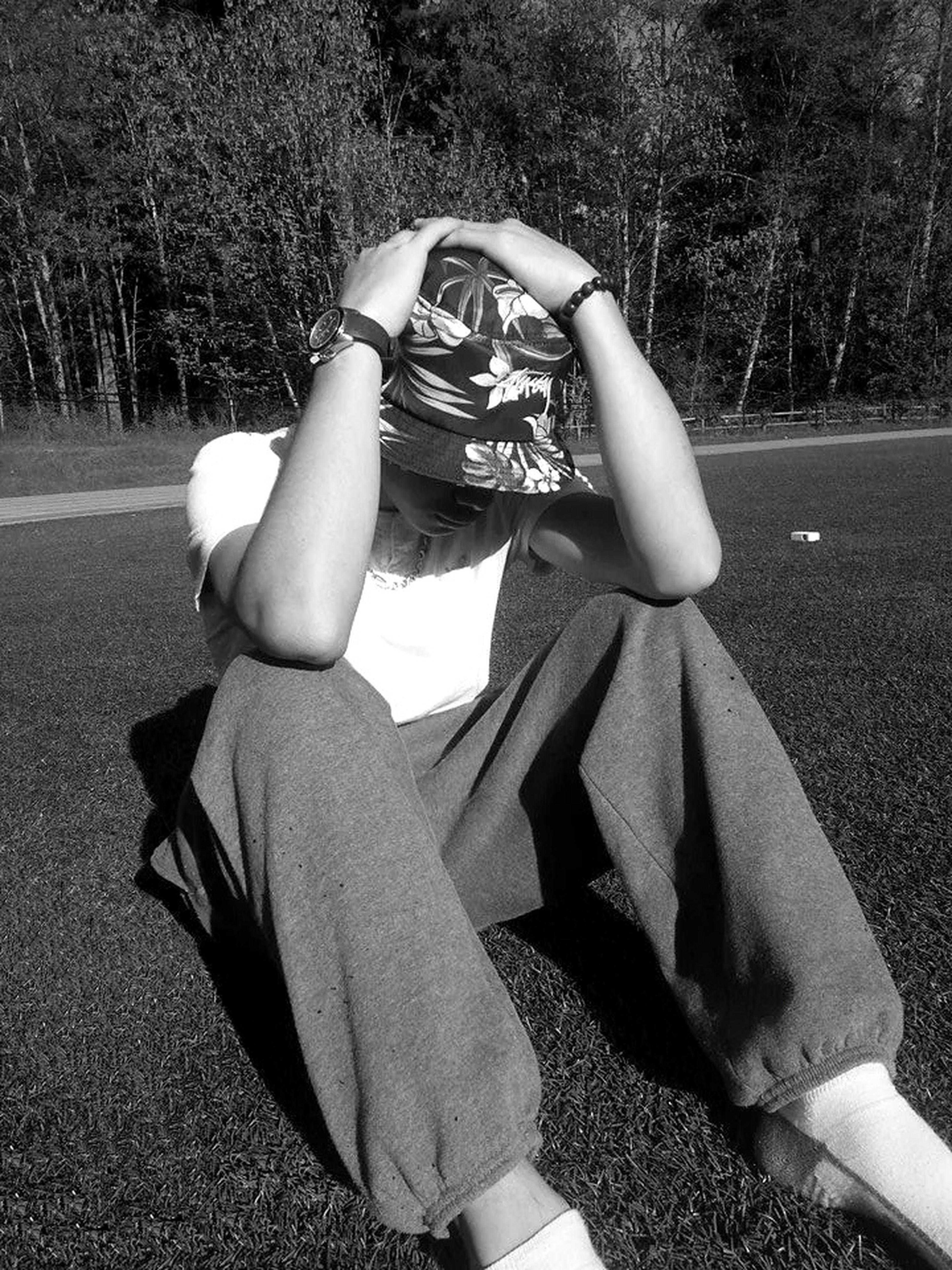 Chillin Enjoying The Sun Bucketsfordays