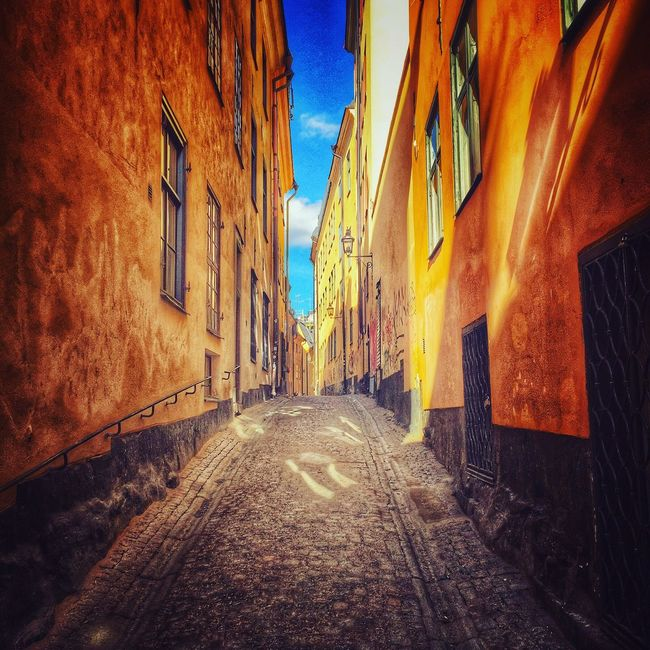 Taking Photos My Smartphone Life Sweden IPhoneography Stockholm Iphoneonly Streetphotography Old Buildings Street Photography Oldtown Oldtownstockholm Showcase April