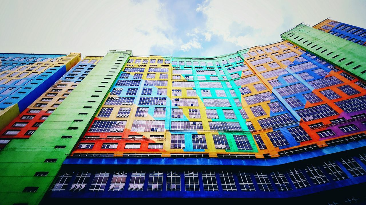 EyeEmNewHere Low Angle View No People Built Structure Architecture Skyscraper Futuristic Outdoors Colours & Patterns Colours Buildingstyles Samsung Galaxy Note 5 Mobilephoto Mobilephotography Mobile_photographer Vacations Destinations My Point Of View Repitition