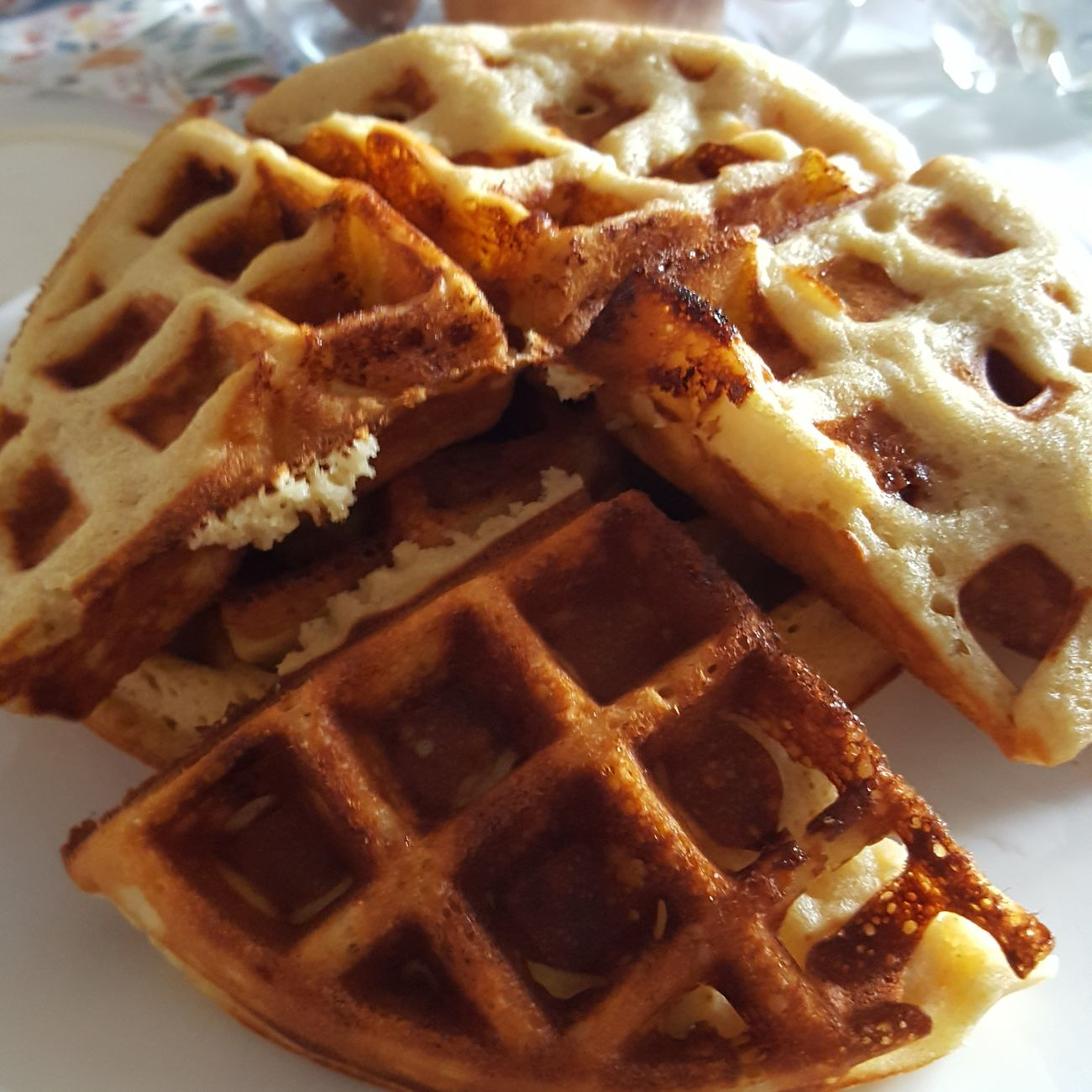Waffle love 💖 it's a recipe from Sally's Welt. but made in glutenfree way. deliciously Food Sweet Food Food And Drink Dessert Waffles!! Waffle Time Glutenfree Glutenfreibacken GlutenFreeFood Glutenfrei
