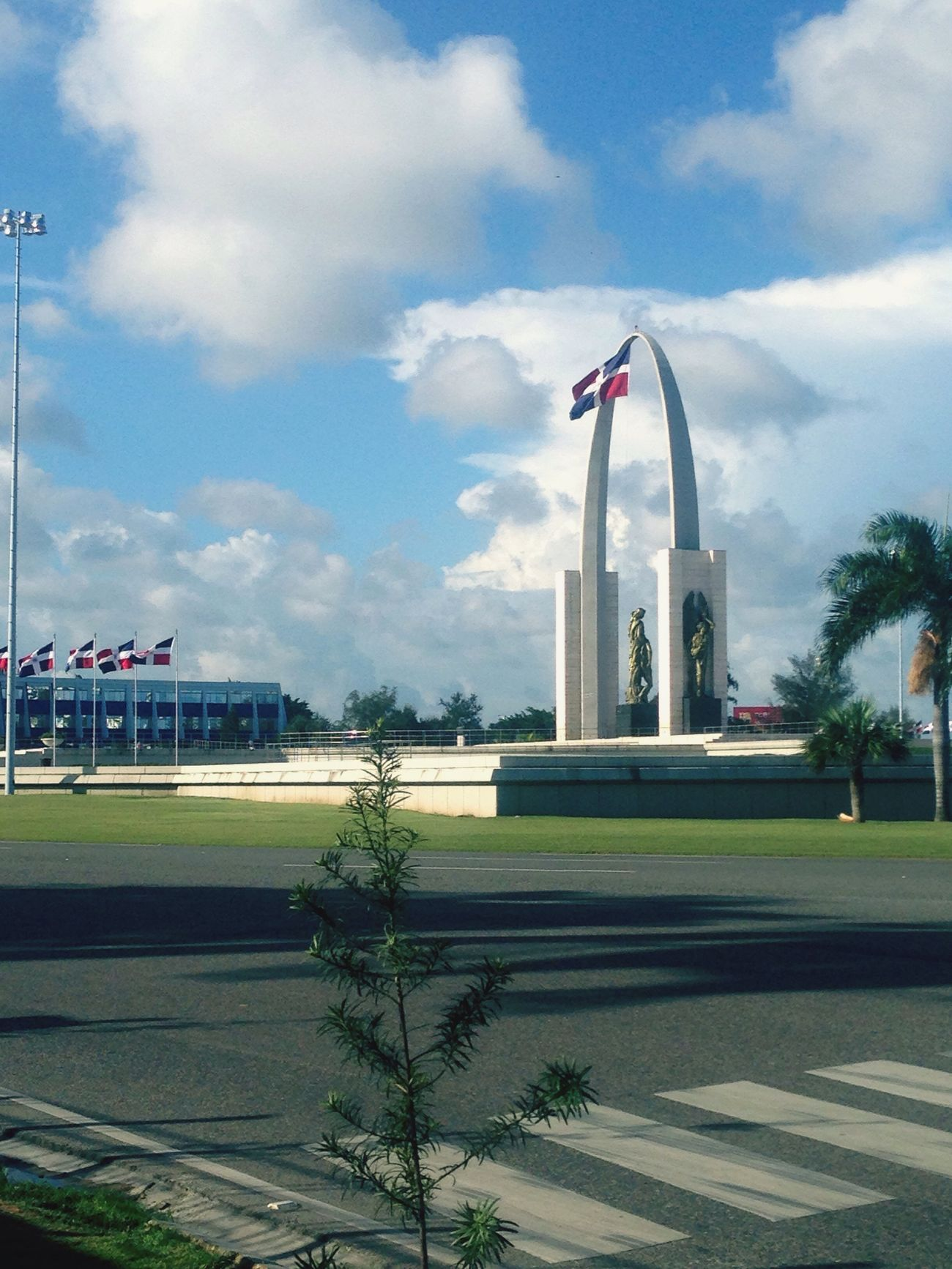 Plaza de la bandera 🇩🇴 Proud Dominican Republica Dominicana Beautiful Flag Blue White And Red PhonePhotography Walking Around