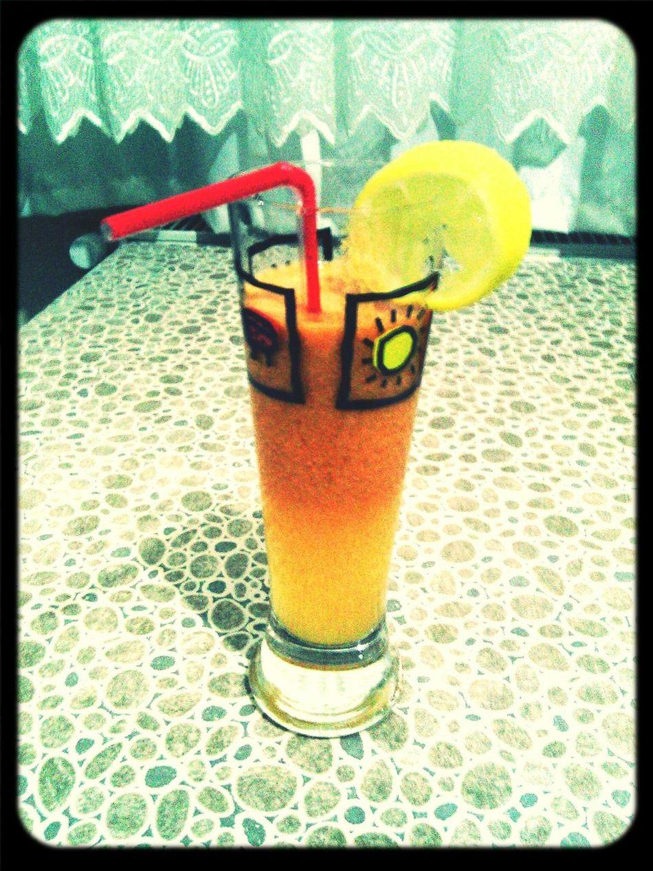 My mom's fresh juice ;) Yummy !! (∩_∩)♥ Followmefollowback Fresh Juice Mom's