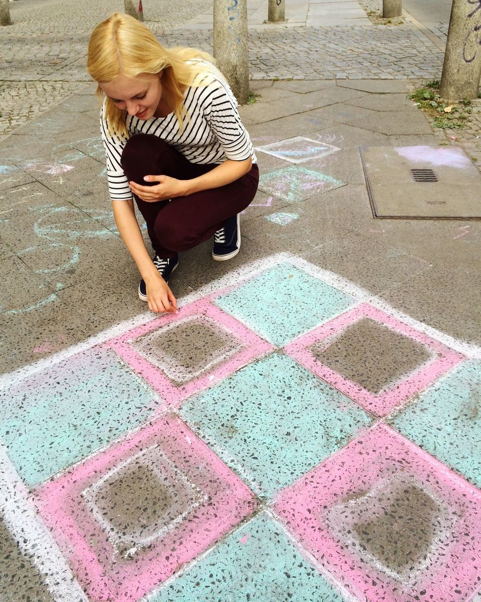 Woman Streetphotography Street Photography Chalk Chalk Art Sidewalk Art And Craft Creativity Young Woman Teenager Urban Artist Chalk Drawing Drawing - Activity One Person People Lifestyles Real People Only Women Outdoors