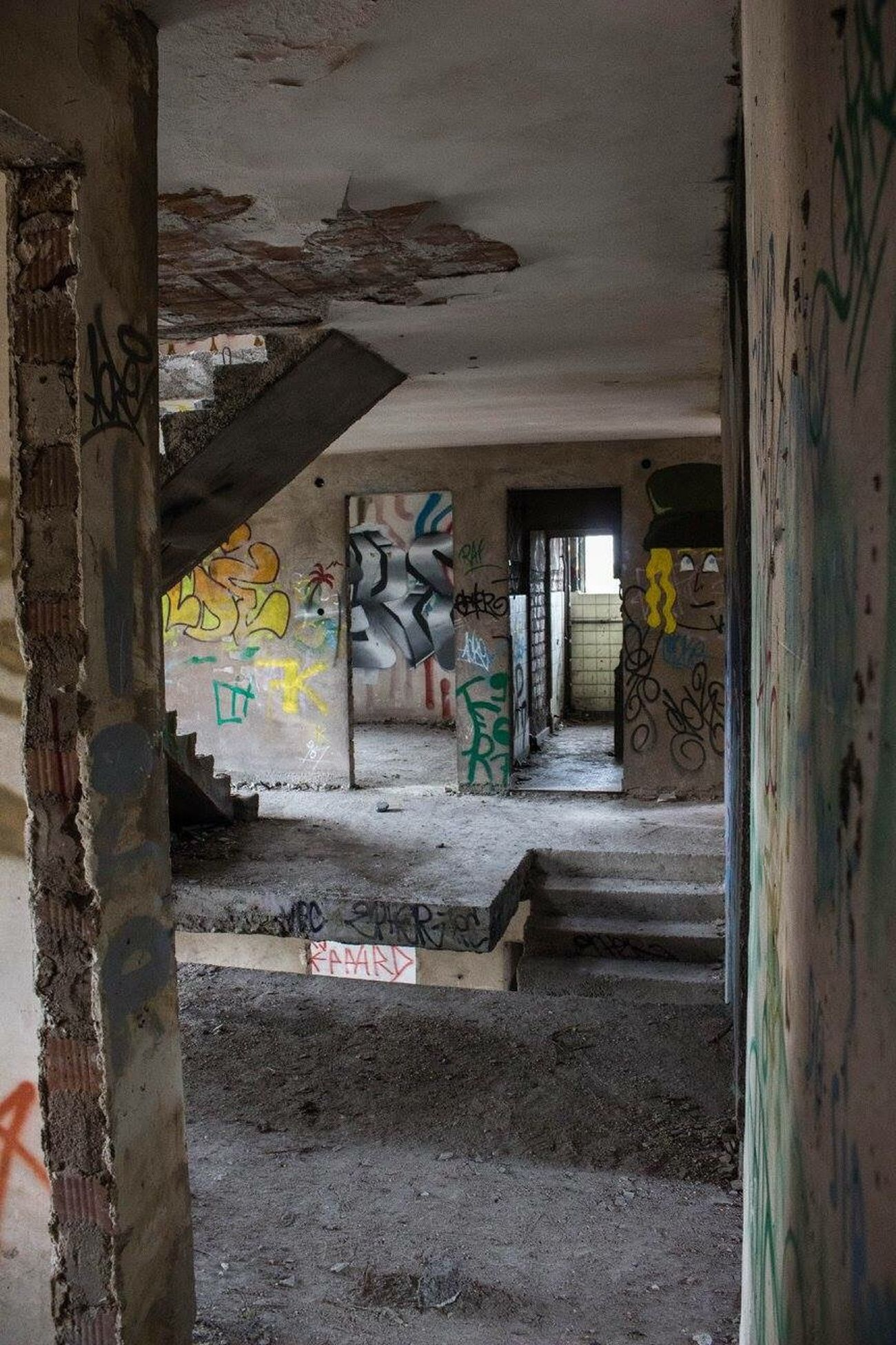 Graffiti Abandoned Architecture Damaged Abandoned Buildings Canonphotography Tadaa Community Urbex Built Structure Urbexphotography Lostplaces Lost Places Abandoned Hotel EyeEm Abandoned Beauty Of Decay Decay Graffiti Art
