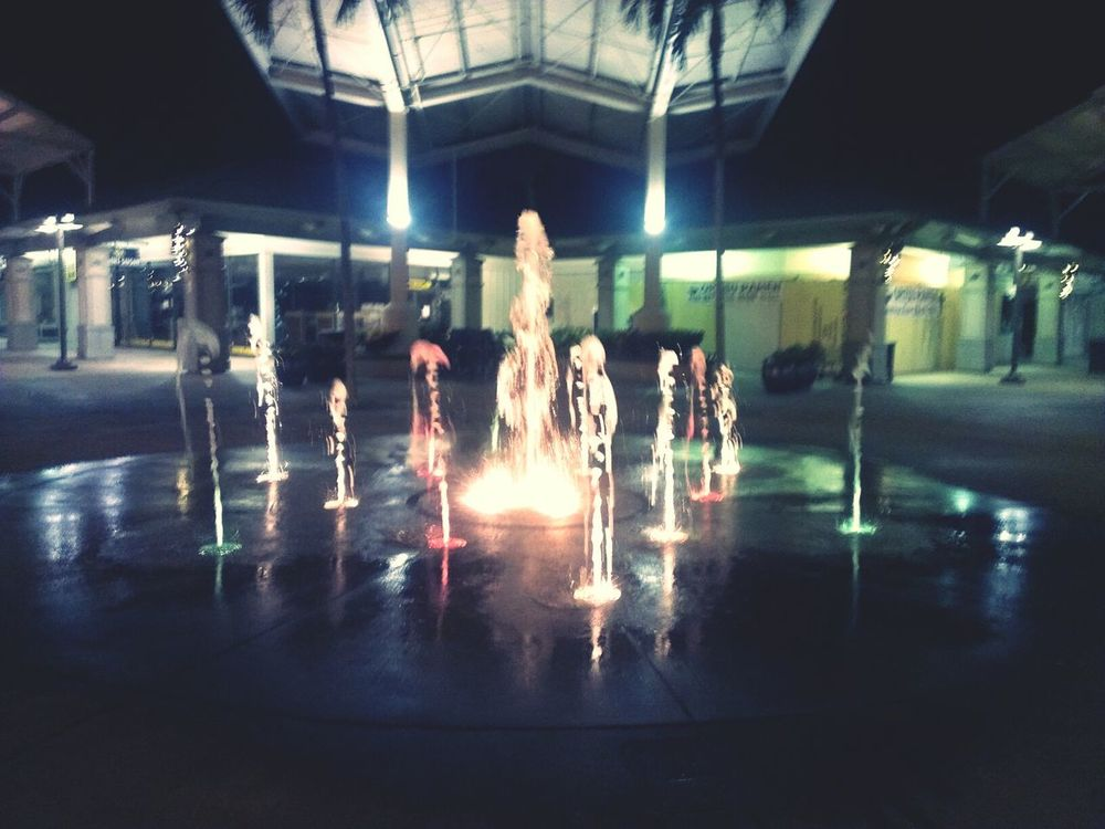 A cute little distraction from the hustle & bustle of the everyday routine. Sparkly lights & a mini water show.... Water Fountain Missing Sparkly Lights Maui Mall