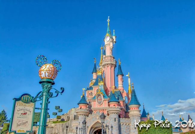 Architecture Low Angle View Built Structure Building Exterior Blue Disney HDR Disneyland Paris Disneyland Resort Paris Hdrphotography Disneylandparis Clear Sky Famous Place Travel Destinations Spire  High Section Tourism History Architectural Feature Outdoors Sky