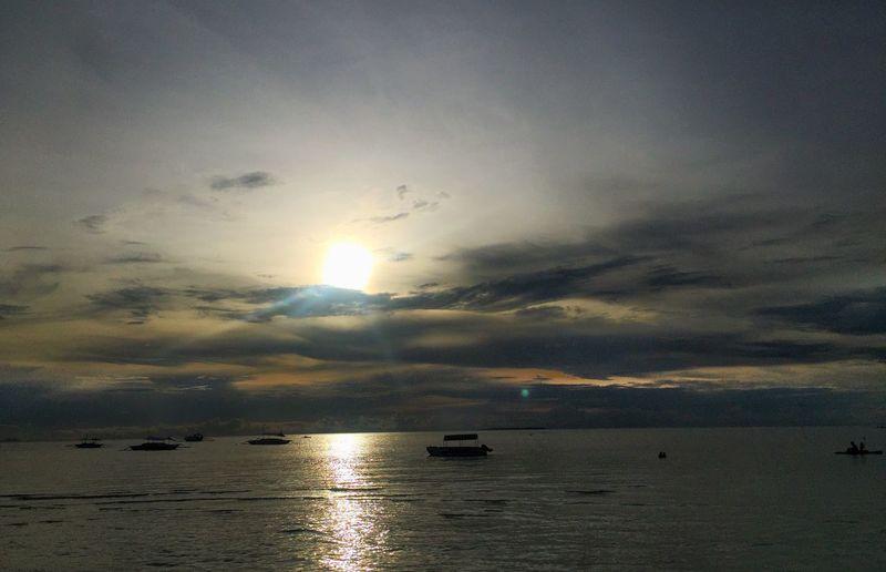 Goodnight 😊 Scenics Sea Sun Water Beauty In Nature Sunset Sky Tranquility Tranquil Scene Nature Idyllic Reflection Horizon Over Water Shiny Outdoors No People Cloud - Sky Day Jaysalvarez Photography