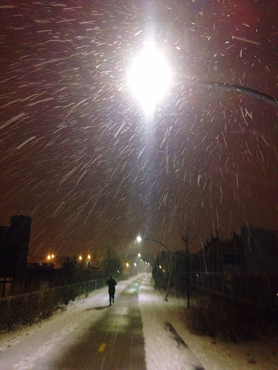 Learn & Shoot: After Dark Winter Snow ❄ 606 Trail Running In Snow Chicago IPhoneography