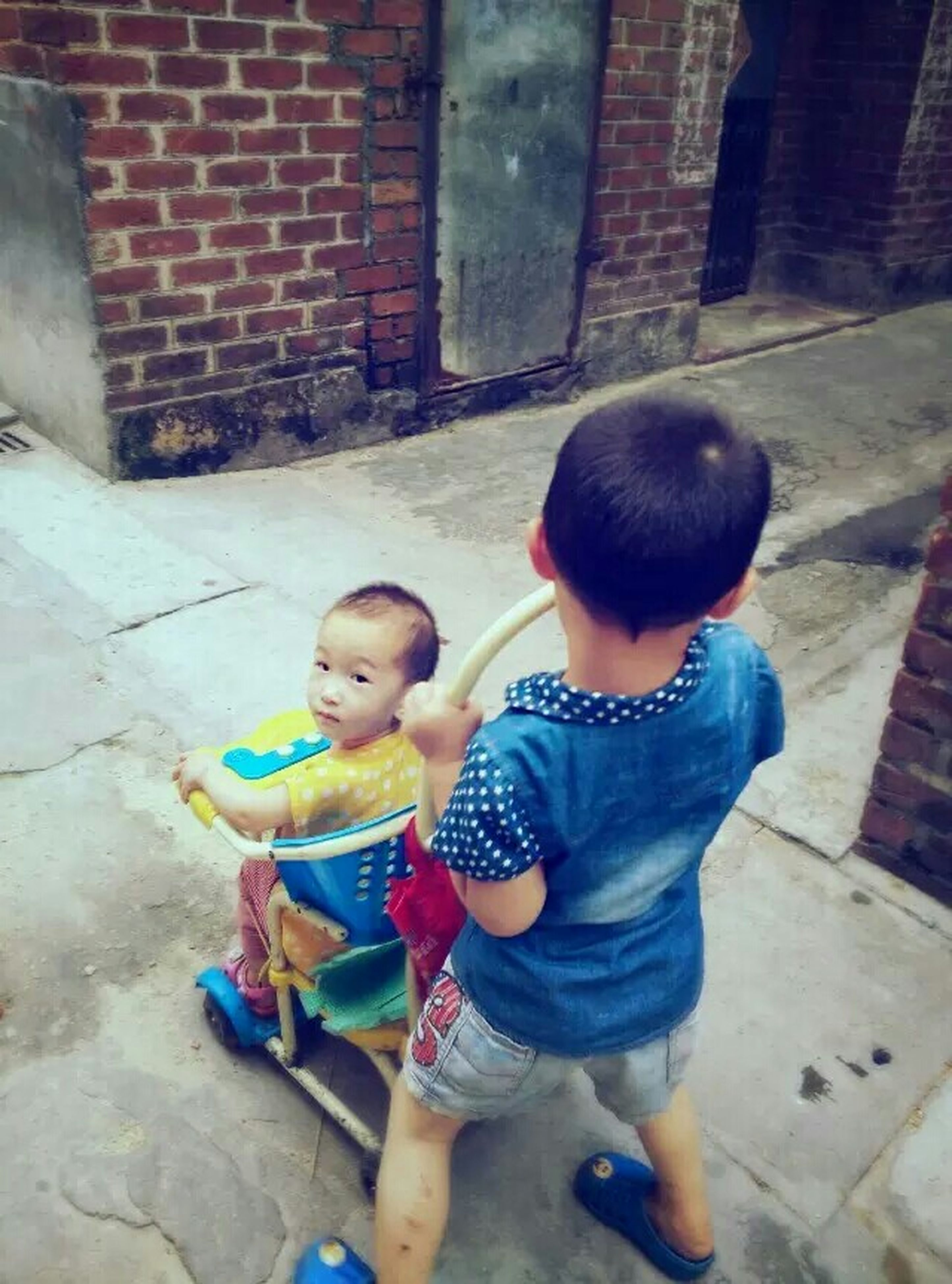 childhood, elementary age, boys, innocence, cute, girls, lifestyles, person, casual clothing, leisure activity, full length, preschool age, toddler, playful, happiness, holding, standing