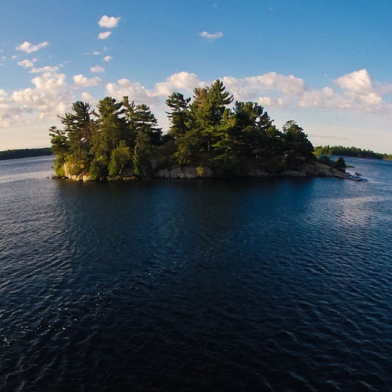 HarveyIsland in the 1000islands outside Brockville . Photo from the Masthead . sailing igersottawa