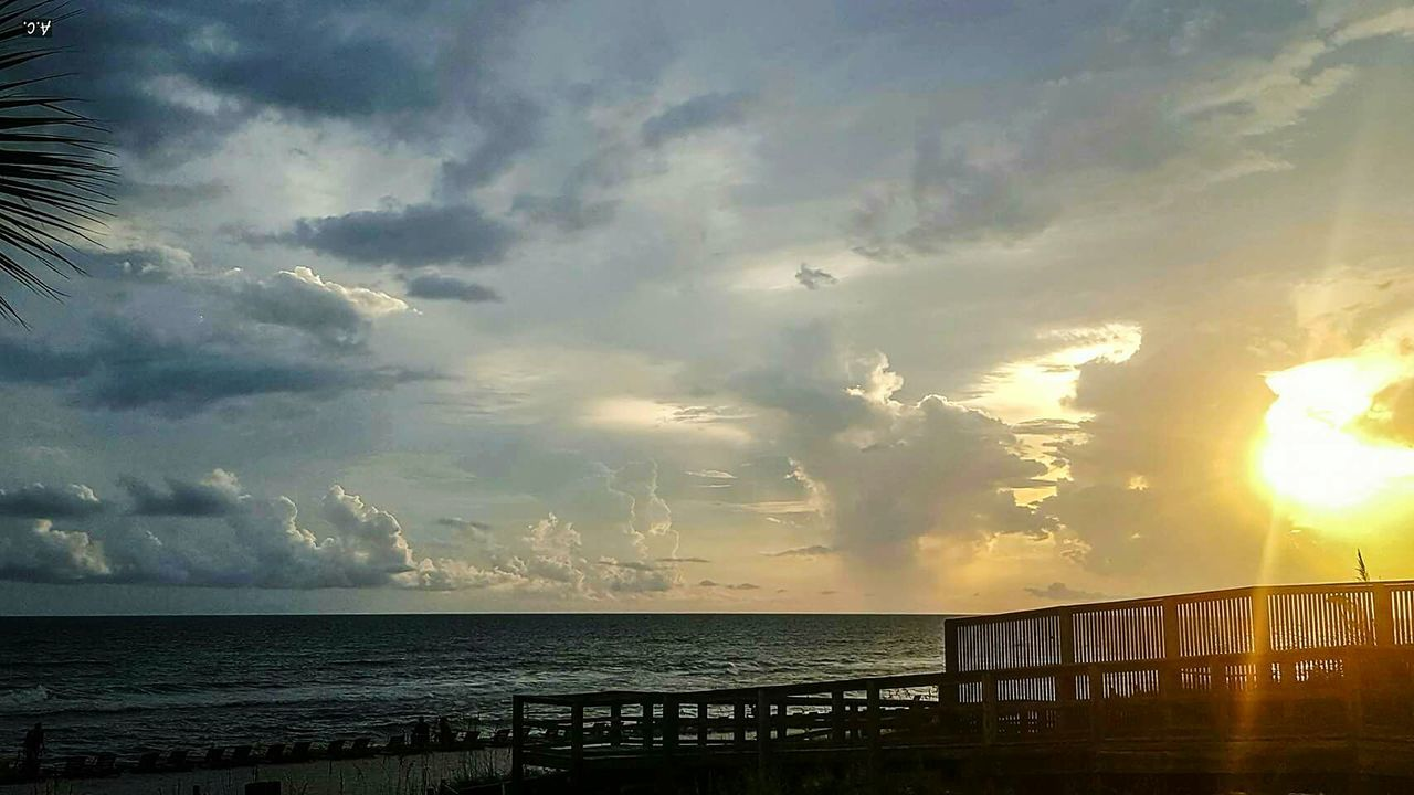Sea Cloud - Sky Scenics Water Beach Beauty In Nature Dramatic Sky Idyllic Sunset Outdoors Nature Tranquility Vacations No People Horizon Over Water Sky Day