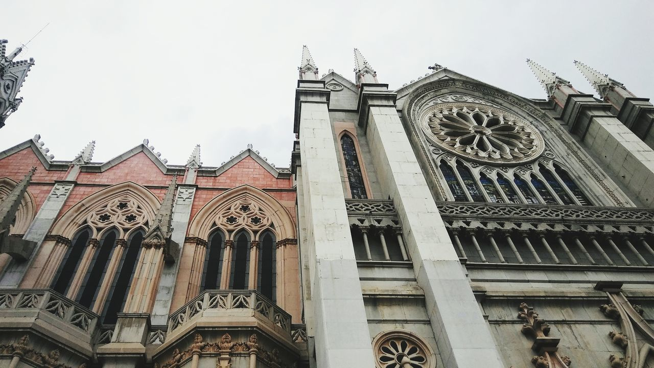 Bellezas mexicanas. Estilo neogótico. Travel Destinations Gothic Style Architecture Building Exterior Sky Built Structure Day No People Religion Place Of Worship