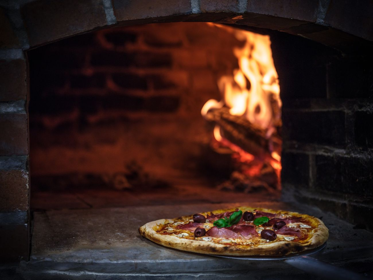 Pizza Heat - Temperature Flame Italian Food Food And Drink Food Oven Freshness Ready-to-eat Fujifilm Tasty