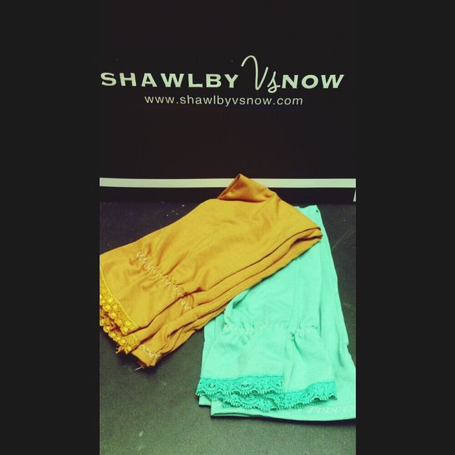 Gorgeous hand sock from shawlbyvsnow at awesome price