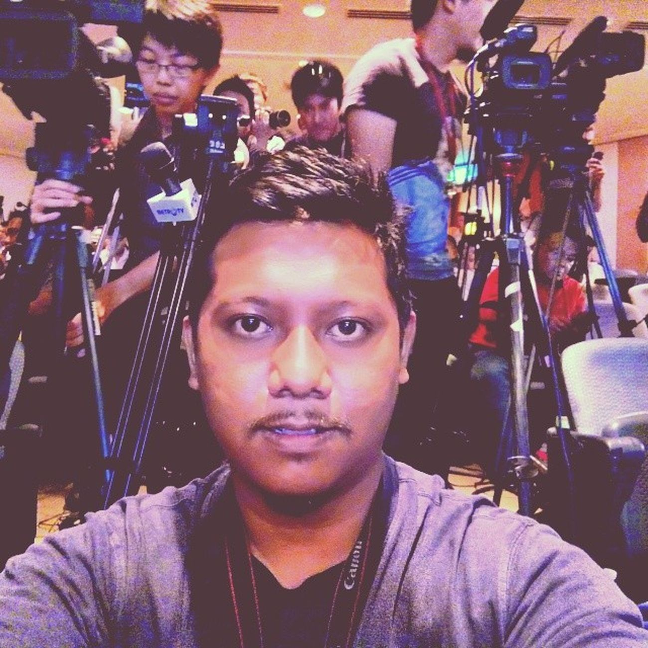 Waiting for press conference of MAS MH370 at KLIA. MH370 PrayforMH370 Pray4mh370 Press