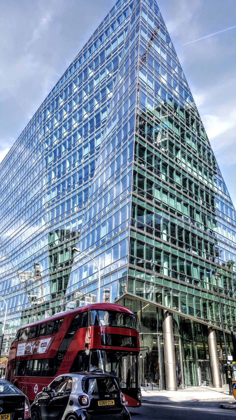 Architecture Cloud - Sky Modern Built Structure Sky Water Outdoors Day Building Exterior Skyscraper No People City Tranquil Scene London London Streets London Life Facebook Page London Photography LONDON❤ Friends ❤ London's Buildings Londononly Modern Cityscape Window Box