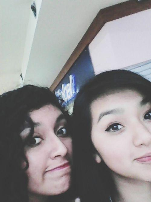 Un día estupendo junto a mi hermana Hello World Relaxing Meeting Friends