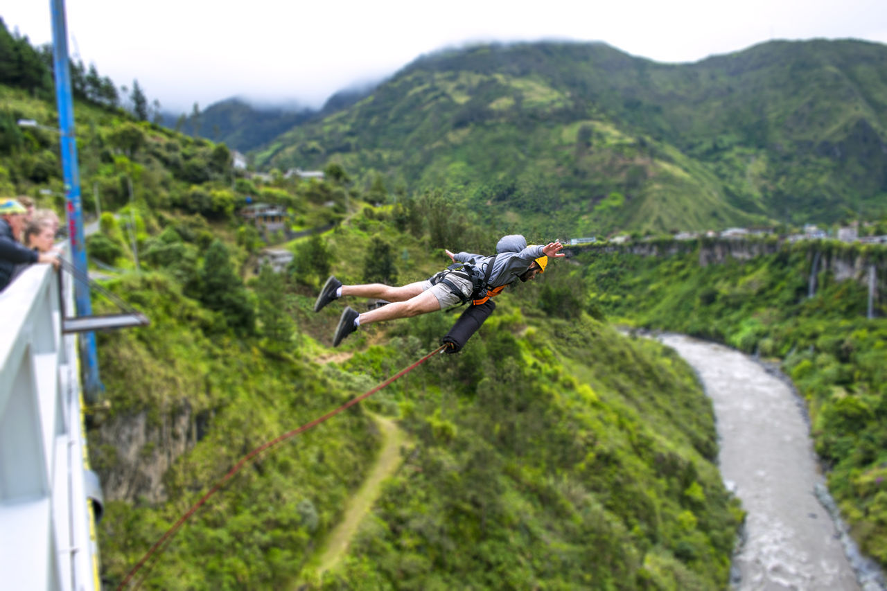Baños de agua santa is a small town of Ecuador but well known because of all the adventure sports you can practice there and one of those activities is to do bungee jumping Adrenaline Adventure Adventure Sport Adventures Baños De Agua Santa BañosEcuador Bridge Jumping Bungee Bungee Jump Bungee Jumping Ecuador Extreme Extreme Sports Green Color Outdoors Puenting Tourism Tree Vacations Adventure Club On The Way Showcase July Hidden Gems  Colour Of Life People And Places Miles Away Live For The Story The Great Outdoors - 2017 EyeEm Awards The Street Photographer - 2017 EyeEm Awards Sommergefühle Lost In The Landscape