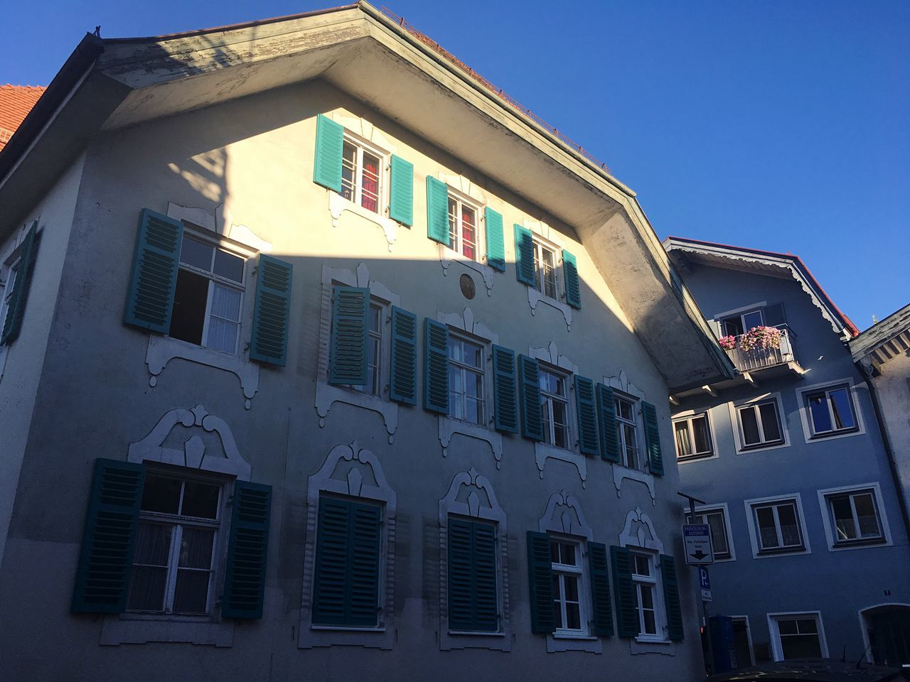 Bavarian Architecture Sunlight Bad Tölz Light And Shadow Built Structure Building Exterior Architecture Low Angle View Residential Building Building House Façade Bavarian Facade Residential District
