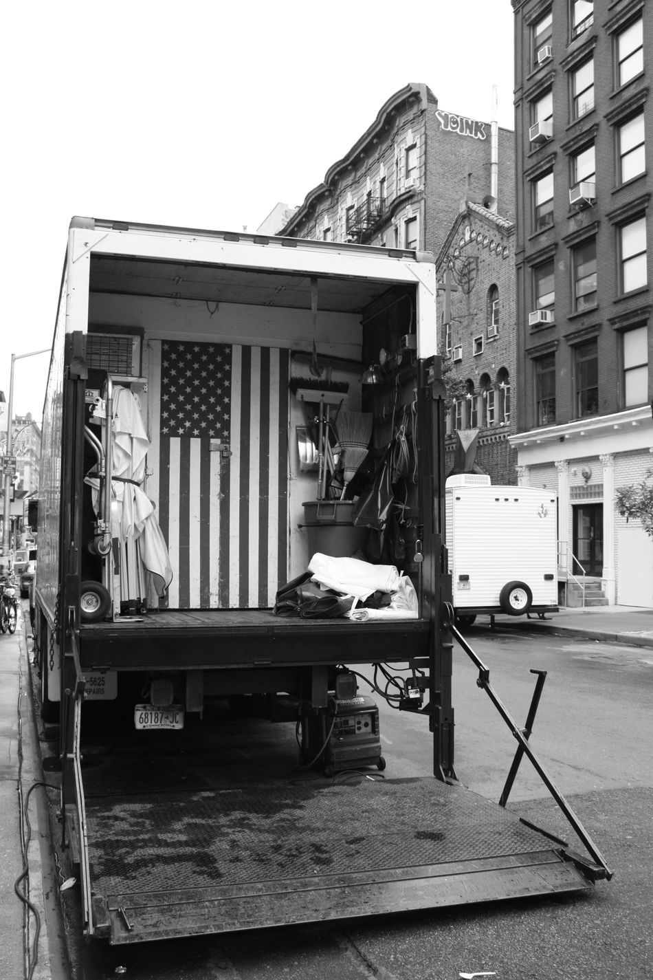 Beautiful stock photos of truck, American Flag, Building Exterior, City, Day