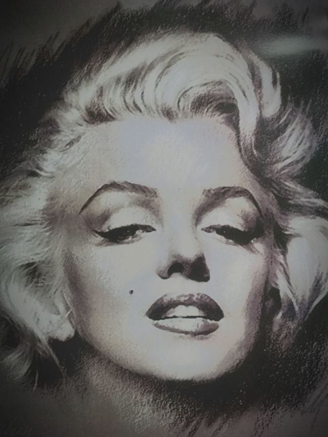 "Marilyn Monroe is a big inspiration for me whether it's her movies or her life I can gain inspiration :) ""We should all start to live before we get too old, Fear is stupid, So are regrets."" - Marilyn Monroe Inspired Marilyn Monroe Icon Iconic Actress Movie Legend"