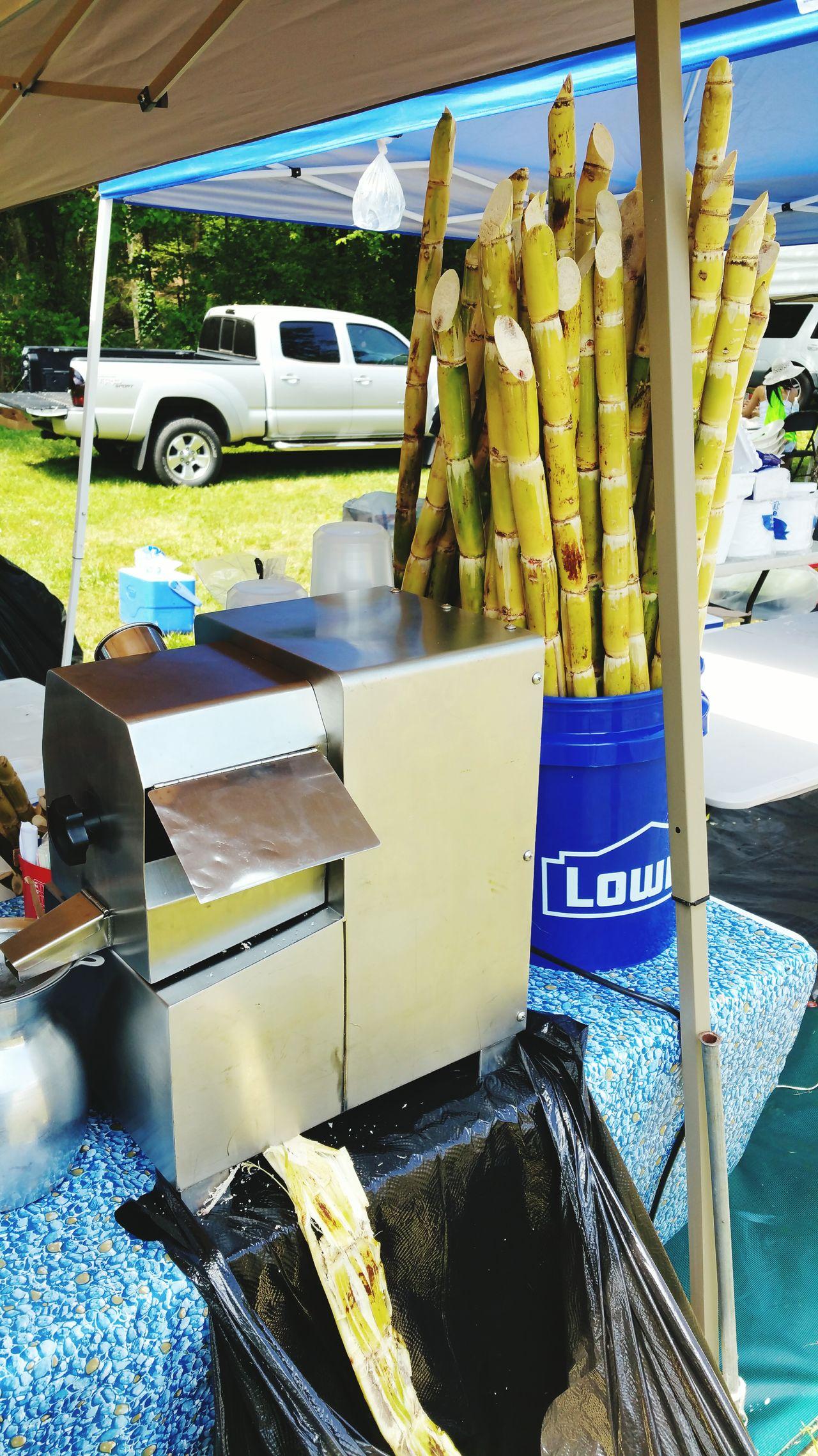 Yummy fresh sugarcane! Drinks Refreshments Sugarcanejuice Sugarcanepress