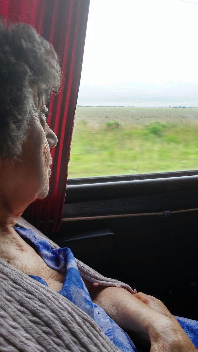 Darle vida a los años.. Enjoying Life Traveling Grandma Esencia