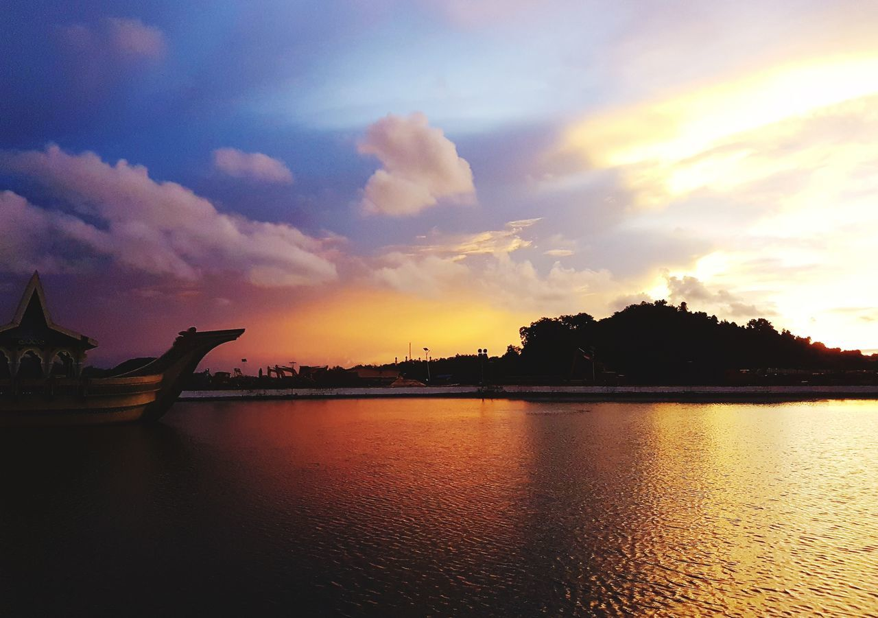 when the sun colored the sky. Sunset Cloud - Sky Beauty In Nature Day Brunei Darussalam