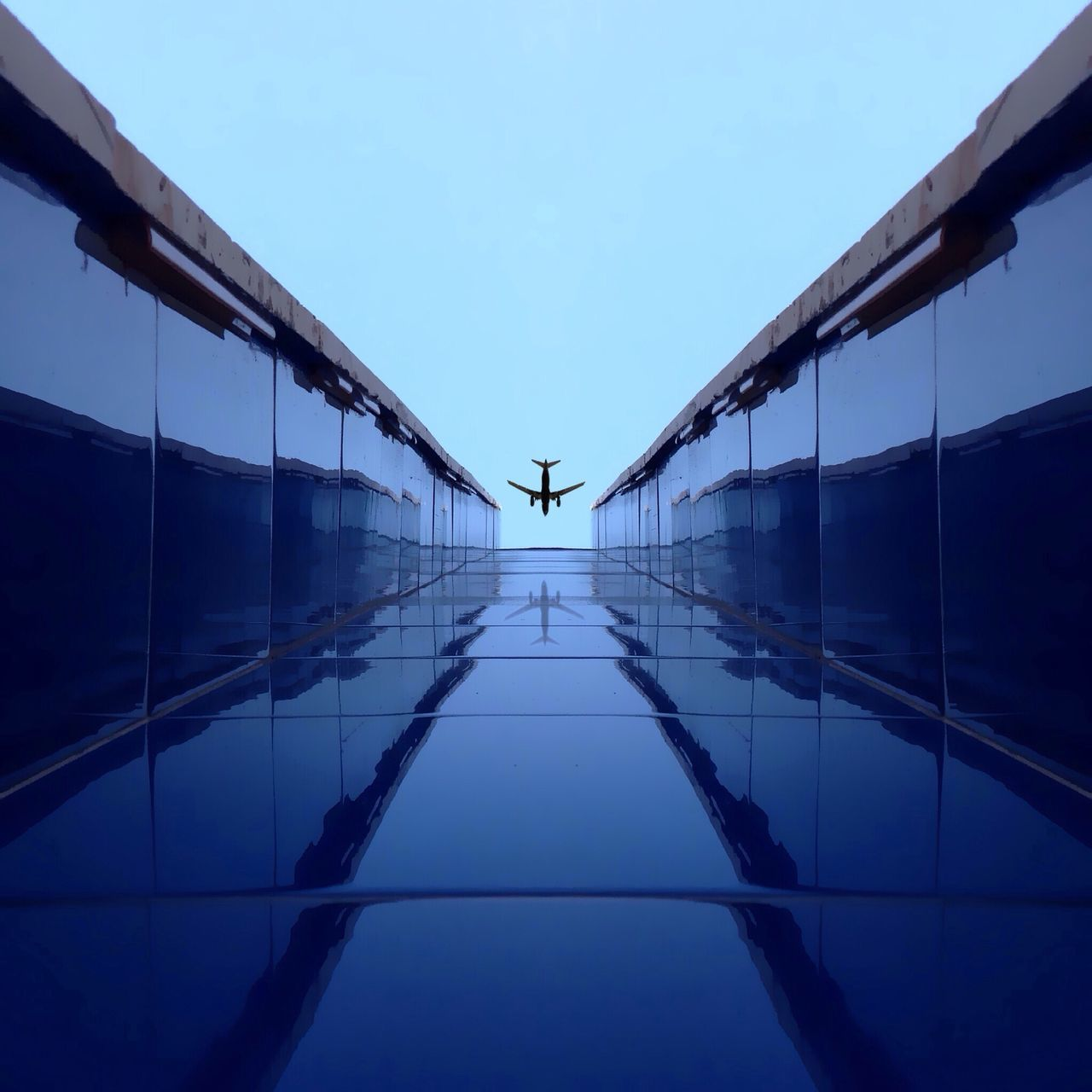 Airplane Reflection Learn & Shoot: Leading Lines Blue Wave