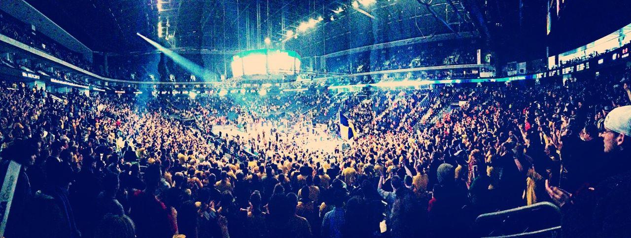 Magic Moments Pokalsieger 2013 Stepanović Calendar 2014 Das ist mein Lieblings Foto von 2013! 14.000 Glückliche Menschen auf einen Bild :)