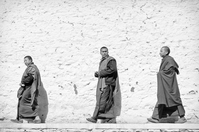 Travelling Travel Photography Travel Black & White Black And White Blackandwhite Religion Monk  Monks Monastery Monastic Life Studies Of Whiteness Walking Monks