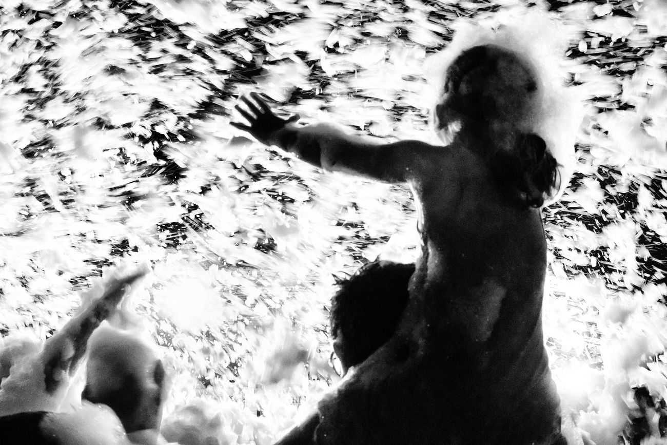 (the foam party, 31) Outdoors Enjoying Life Black And White Foamparty Photooftheday Monochrome Vicissitudini Photoshoot Bnw_collection