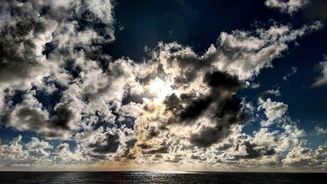 Enjoying an intimate Moment with Creation Creationatitsbest Skies Clouds Cloudy Cloudyskies Sunset Sunsetatsea Ocean Atlantic Atlanticocean Oasisoftheseas Travel Ship Monstership Sailing