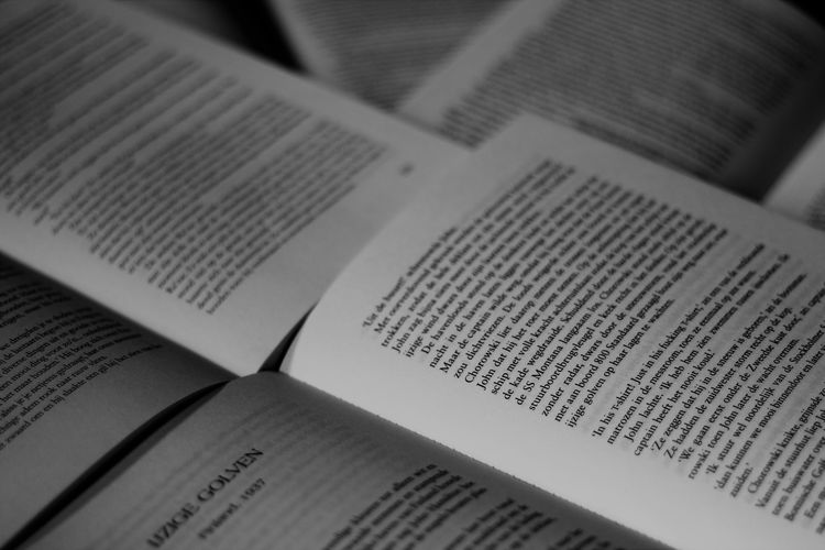 50mm F/1.8 STM Bibliophile  Black And White Photography Blackandwhite Boeken Book Bookpages Bookphotography Bookporn Books Books ♥ Close-up Day Ilovebooks Indoors  No People Page Paper Reading Text Zwartwit