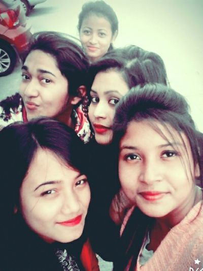 Selfie :) With Friends After Class Hangout. Hanging Out ????☕??